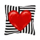 kruissteekkussen rood hart op zwart/wit