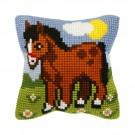 kruissteekwandkleed paard in de wei