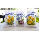 borduurpakket kruidenzakje (3 st.) lentebloemen